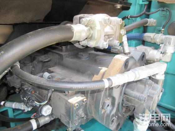 液压泵完美继承了神钢速度快的传统。