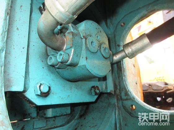 液压剪上的液压泵。