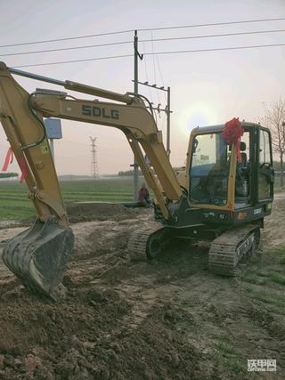 国产临工E665F挖掘机300小时使用报告