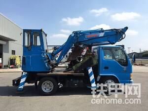 为了将大小臂像挖掘机一样收纳在驾驶室后方的支架上,大小臂的结构强度必将受到影响。