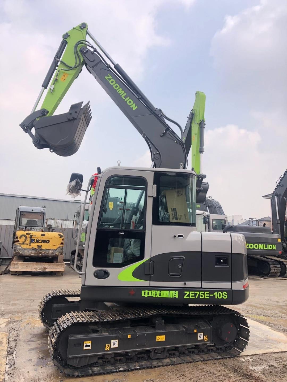 小绿挖机,中联ZE75E-10S你看哪不同?
