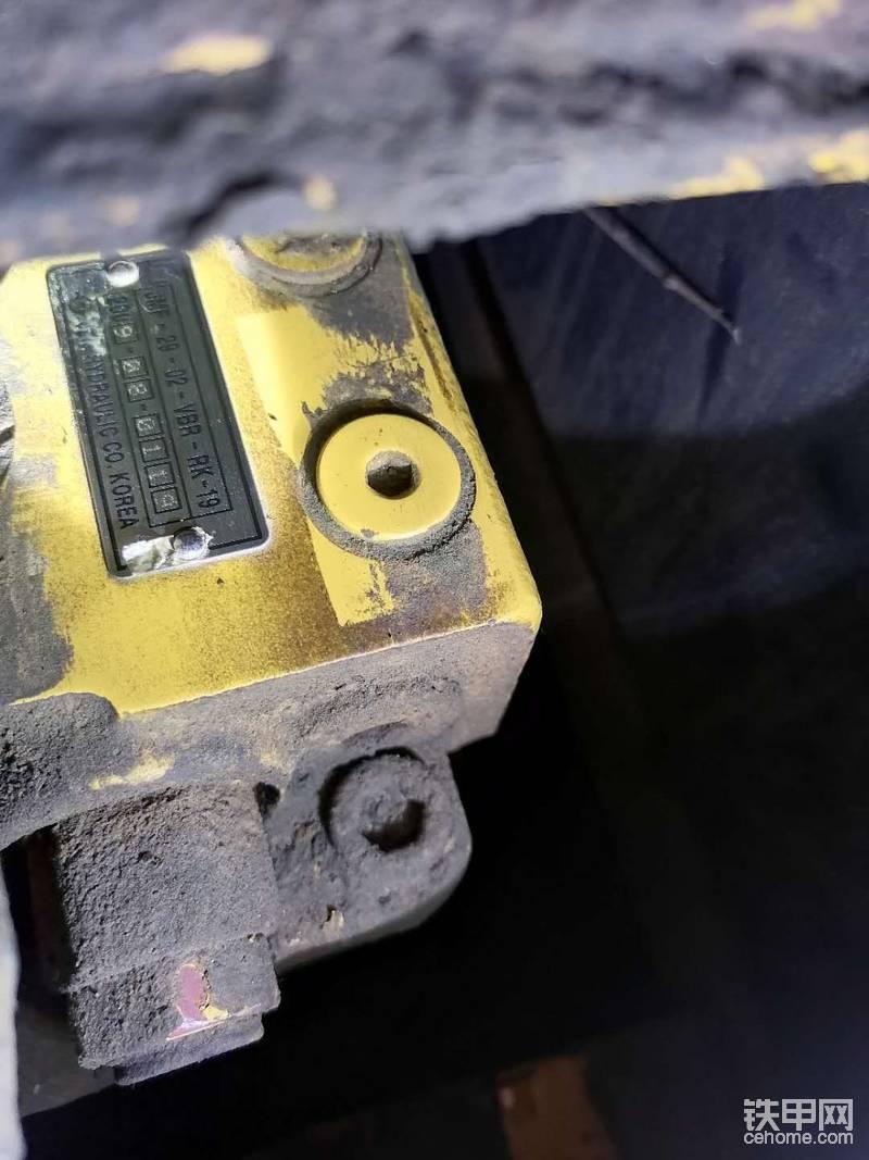 出售一臺雷沃重工65挖掘機-帖子圖片