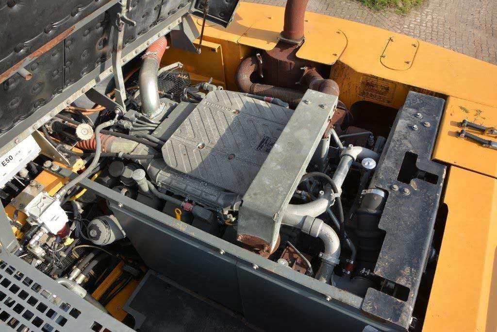 利勃海尔964(法国[表情][表情]原装进口,高配75吨)