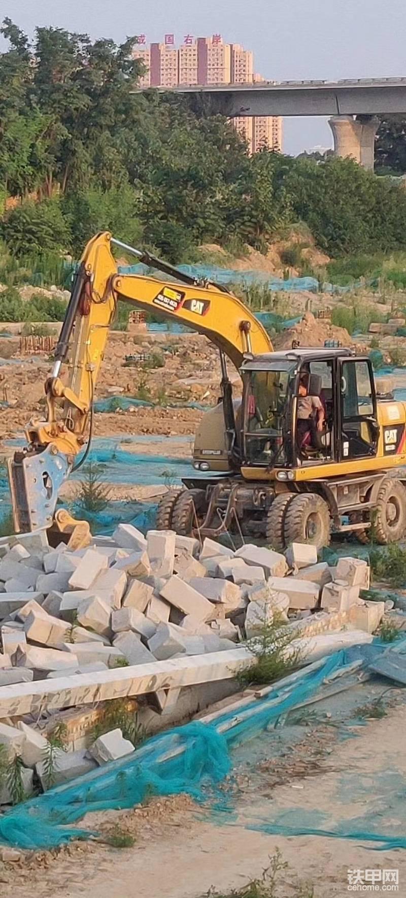 【甲友说行情】西安15吨以下轮挖的20年的行情-帖子图片