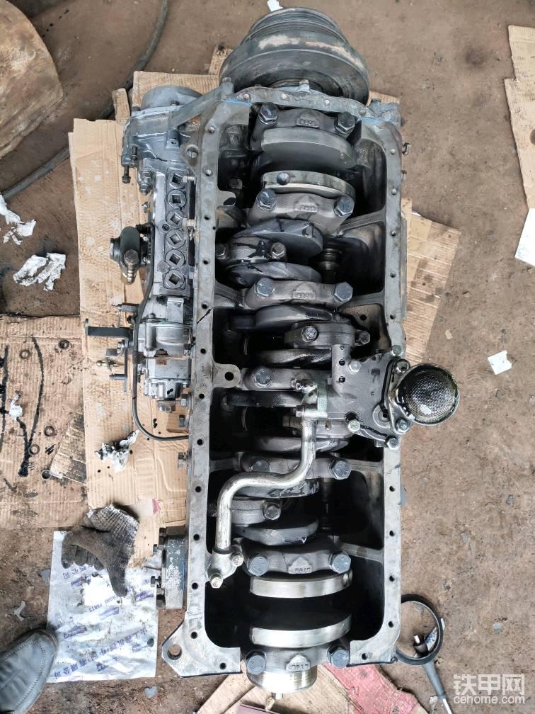 机油泵,装上,准备加装油底壳!
