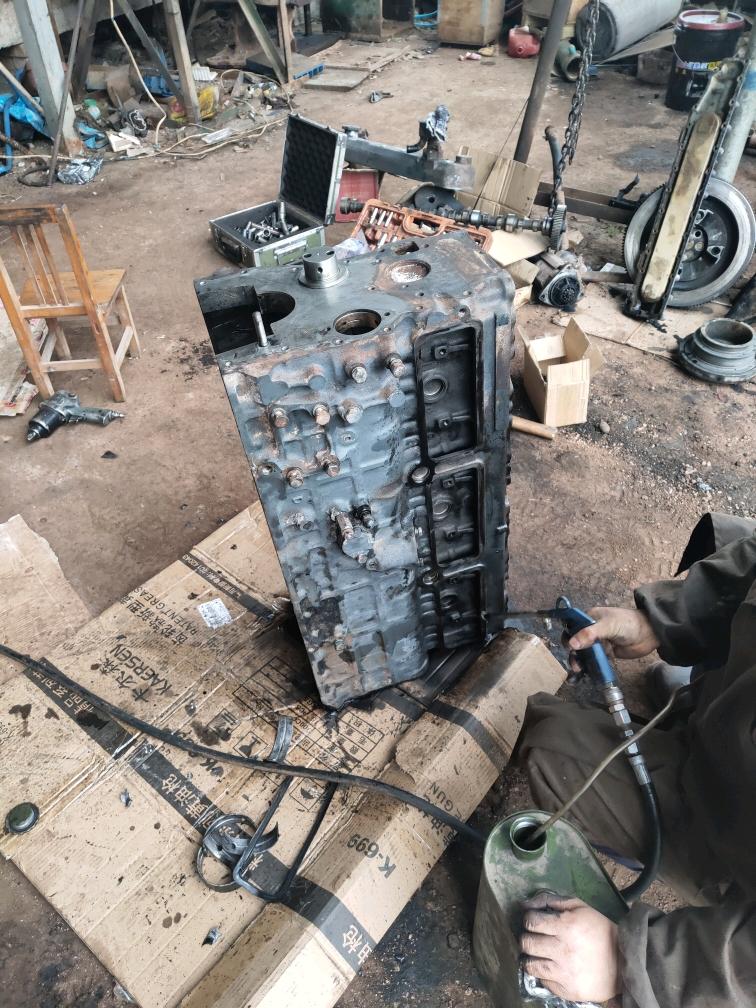 【全记录】再战三年斗山225-7发动机修理(组装篇)