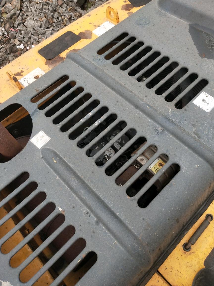 有谁知道这挖机是不是黄楼