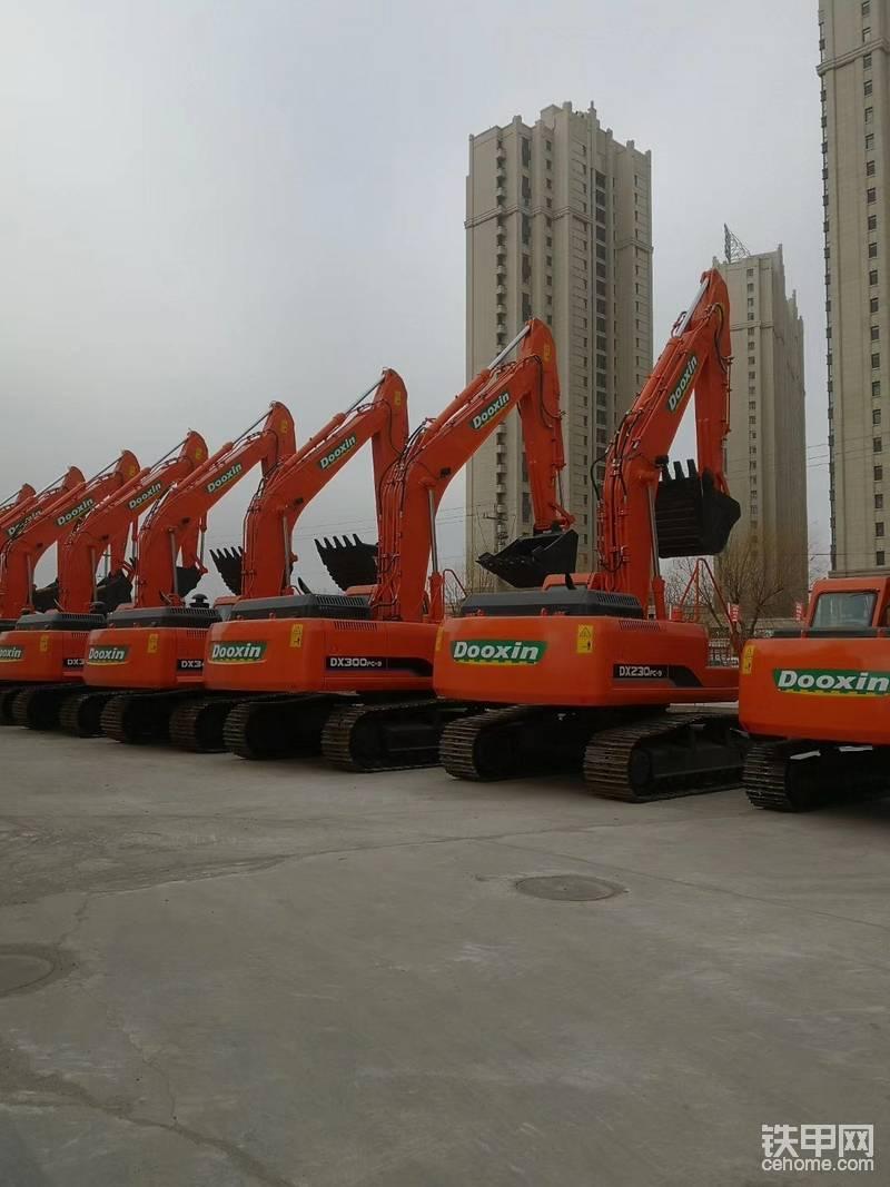 全新230挖掘機出售50萬-帖子圖片