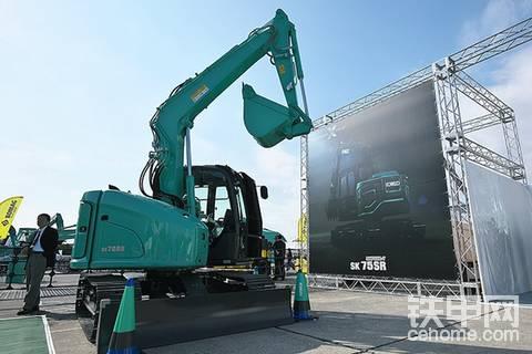 【票友说车9】神钢最新款超级豪车—SK75SR-7