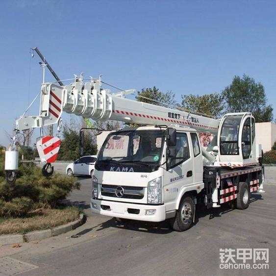 收購江蘇一輛12噸吊車年齡在2018左右-帖子圖片