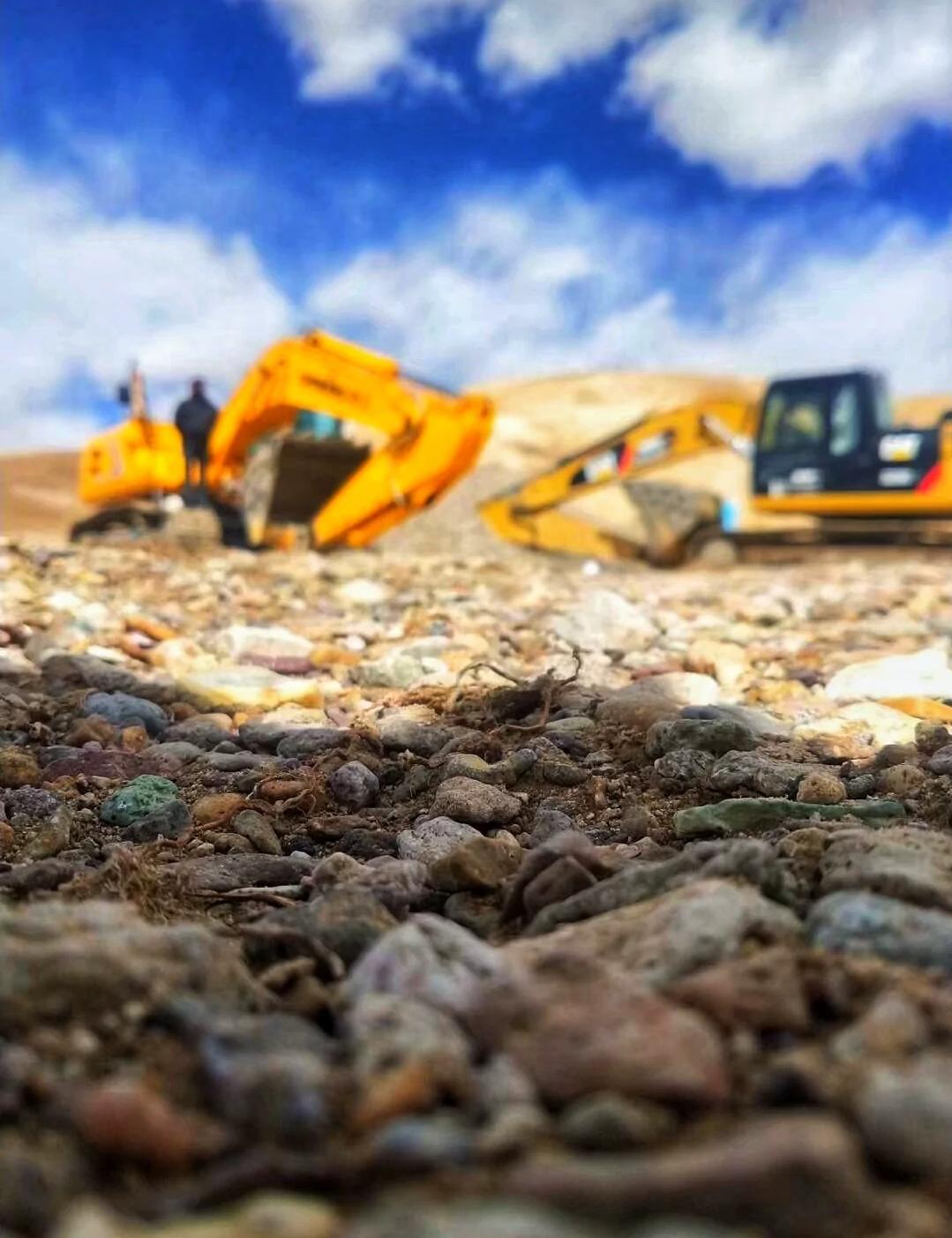 挖掘机驾驶员,真的是市场稀缺人才吗?