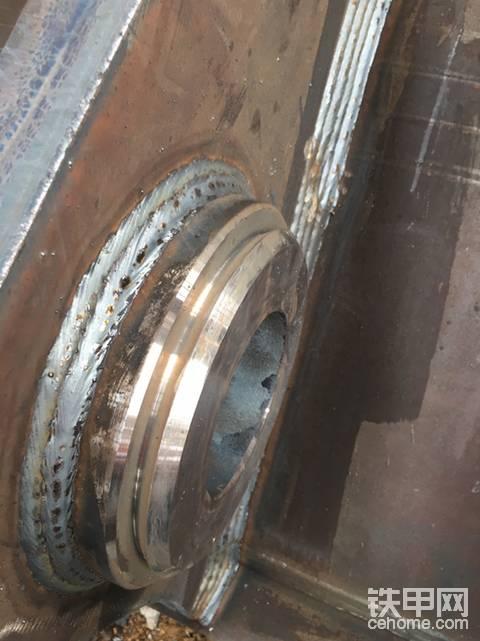 挖斗-拼的是焊接质量
