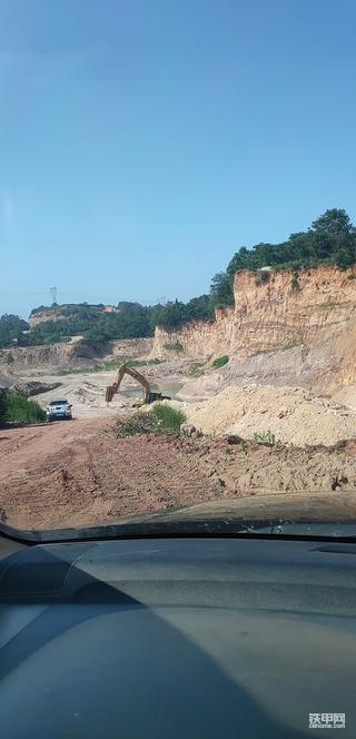 挖机的那些事(2)山里干活,村民扯皮