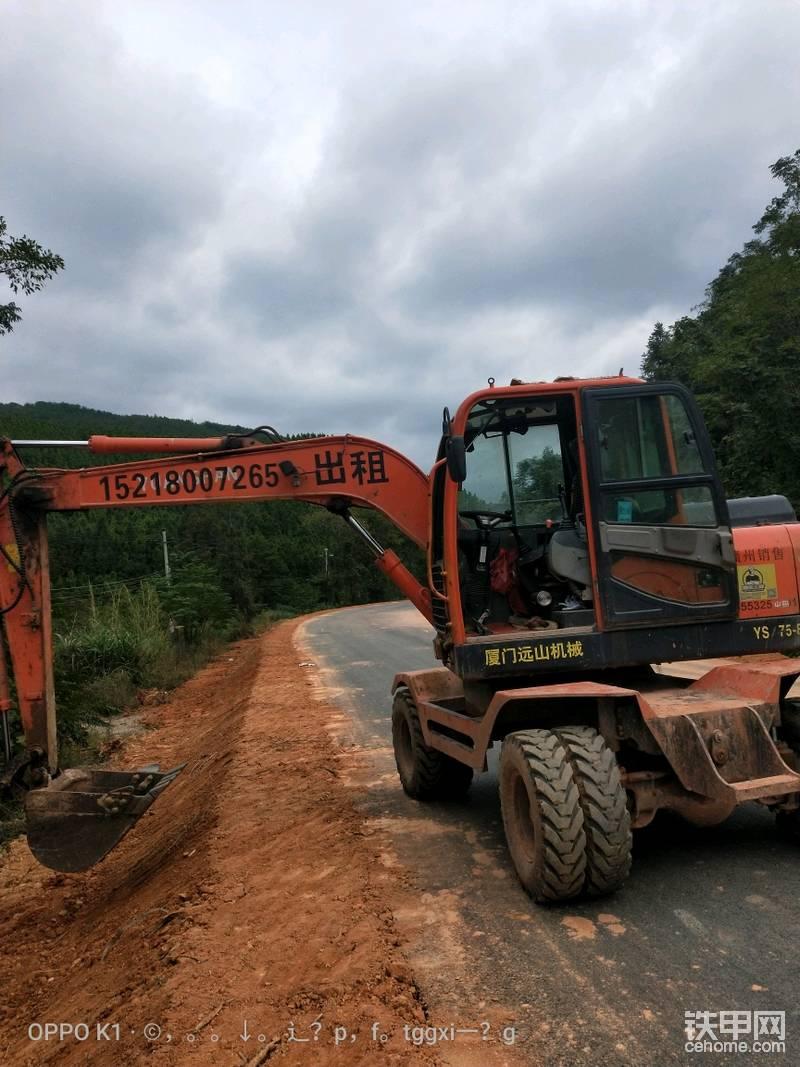 輪式挖掘機出租-帖子圖片