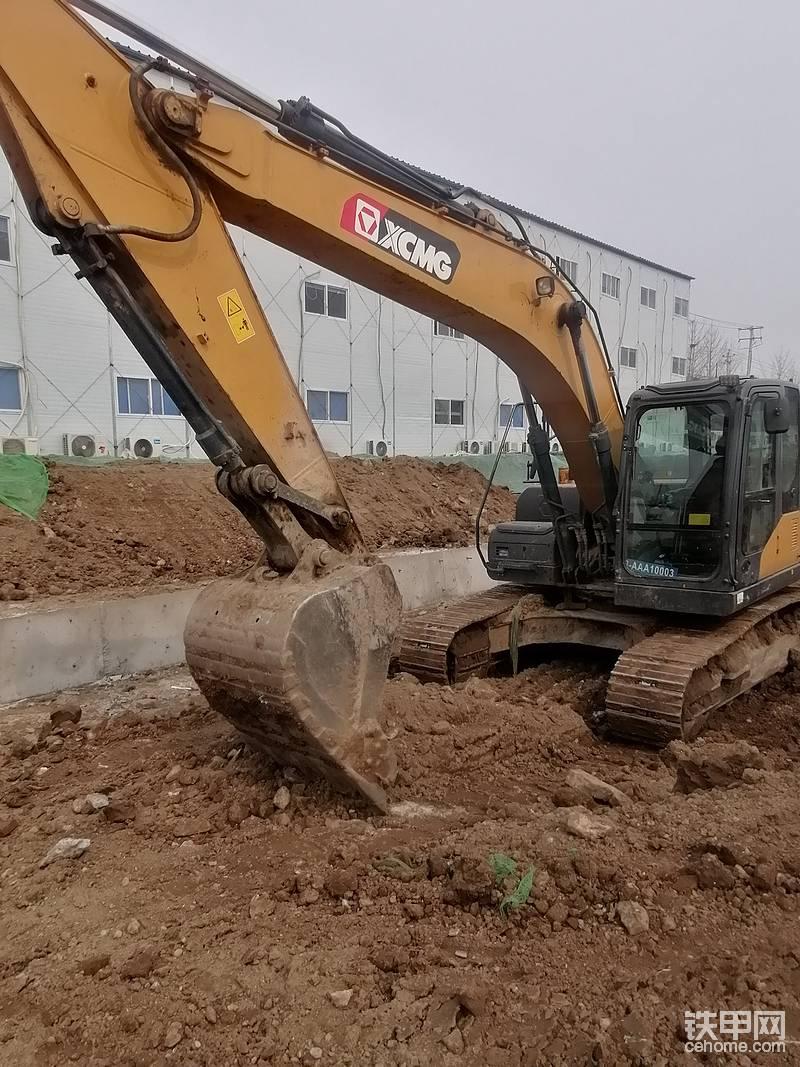 北京通州挖掘机替班李18813074834-帖子图片