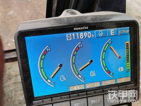 小松200-8 仪表盘按键不亮