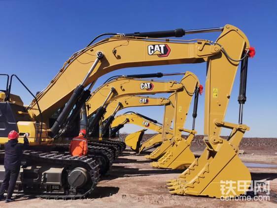 山西某矿山,新到一批349,未来也会根据工况选配一些附属装置;