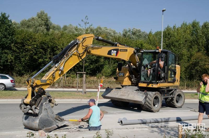 比利時的卡特M314F輪胎挖掘機-帖子圖片