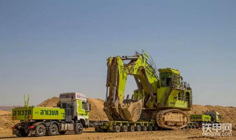 矿场路况相对较好,所以 Taavura 采取整体运输的方式帮助 LIEBHERR 9350 转场