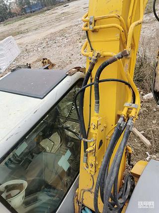 求购加藤308us的原车的破碎锤管路