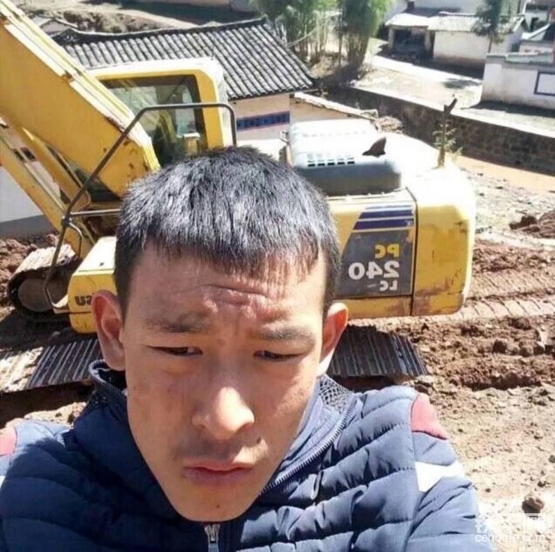 挖掘機 240-帖子圖片