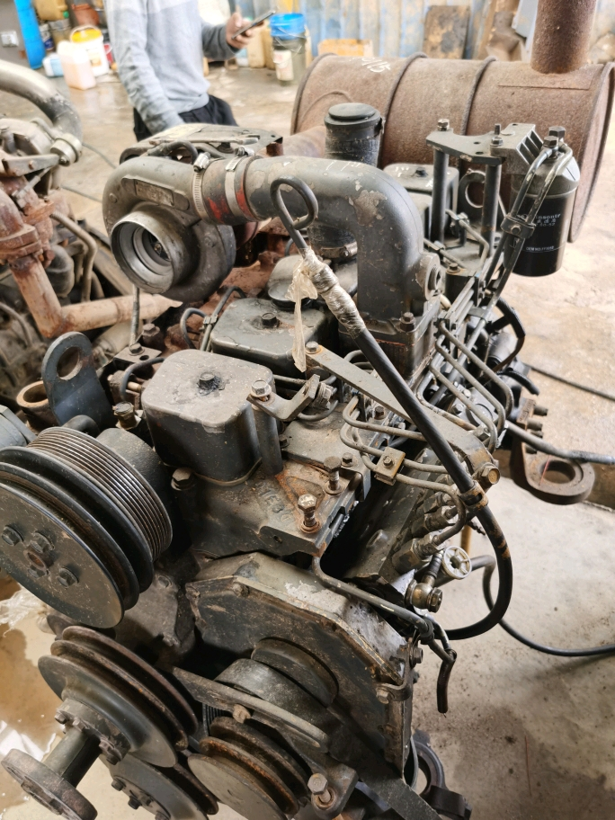 二手挖机发动机