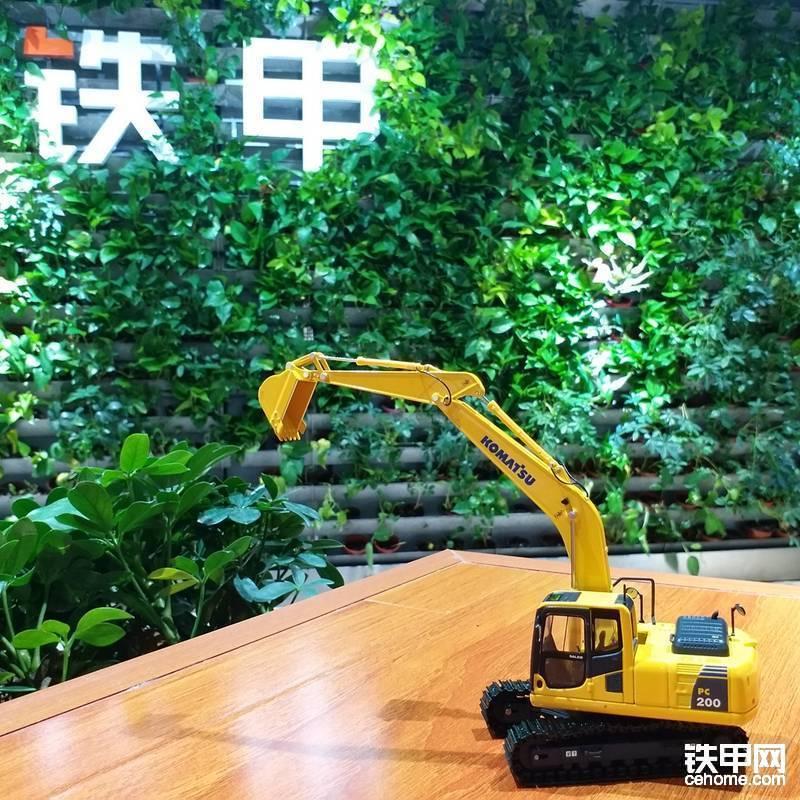 一等奖(1名):挖掘机模型