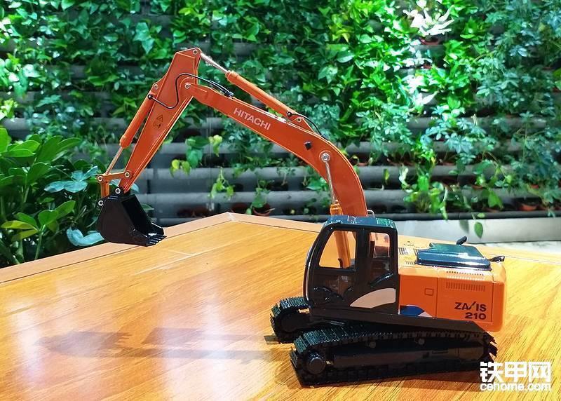 特等奖(1名):挖掘机模型(品牌随机)