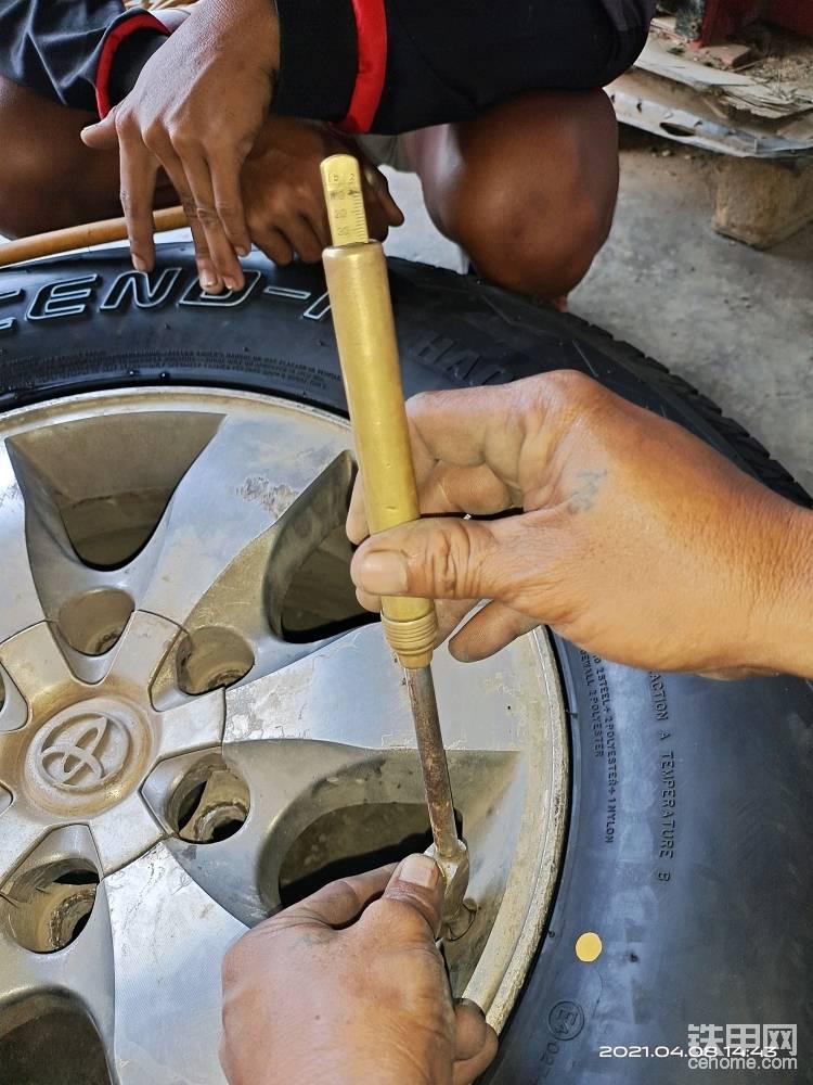 补轮胎  测胎压的菲律宾专属工具