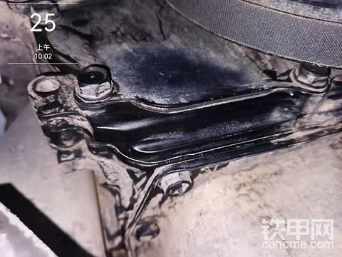 日立60-5a3500小时发动机漏油
