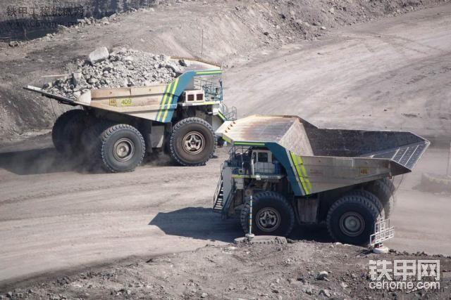 利勃海尔t282b_利勃海尔系列之t282大型矿卡