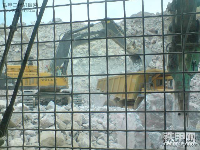 沃尔沃挖掘机-帖子图片