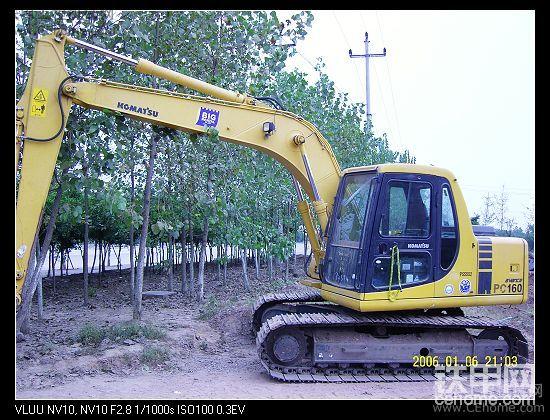 交个作业:2台2手挖挖机-帖子图片