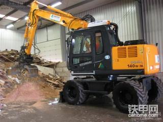R140W-7A輪呔式挖机